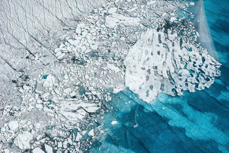 spectacular-Aerial-Views-of-Greenland-ice-sheet-photographs (3)