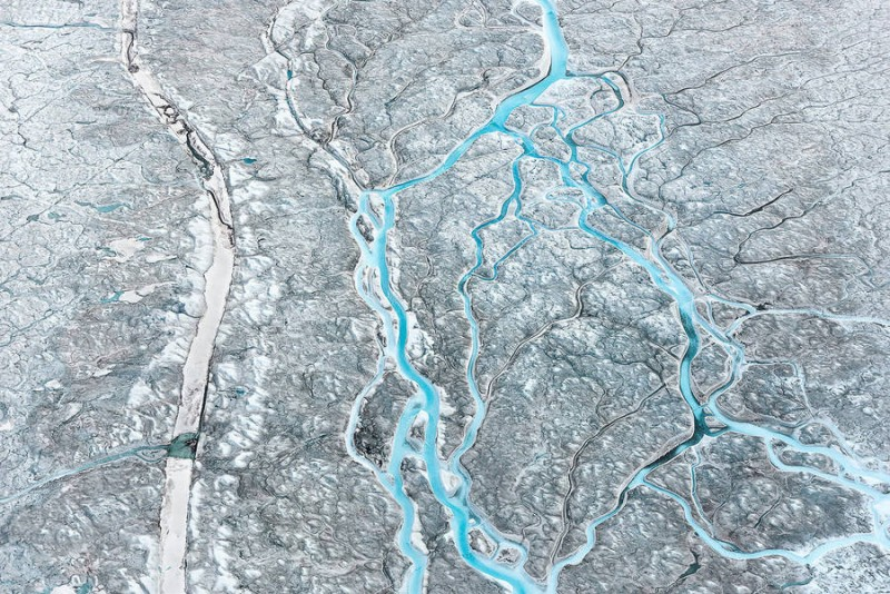 spectacular-Aerial-Views-of-Greenland-ice-sheet-photographs (4)