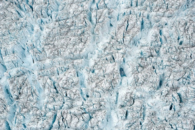 spectacular-Aerial-Views-of-Greenland-ice-sheet-photographs (7)