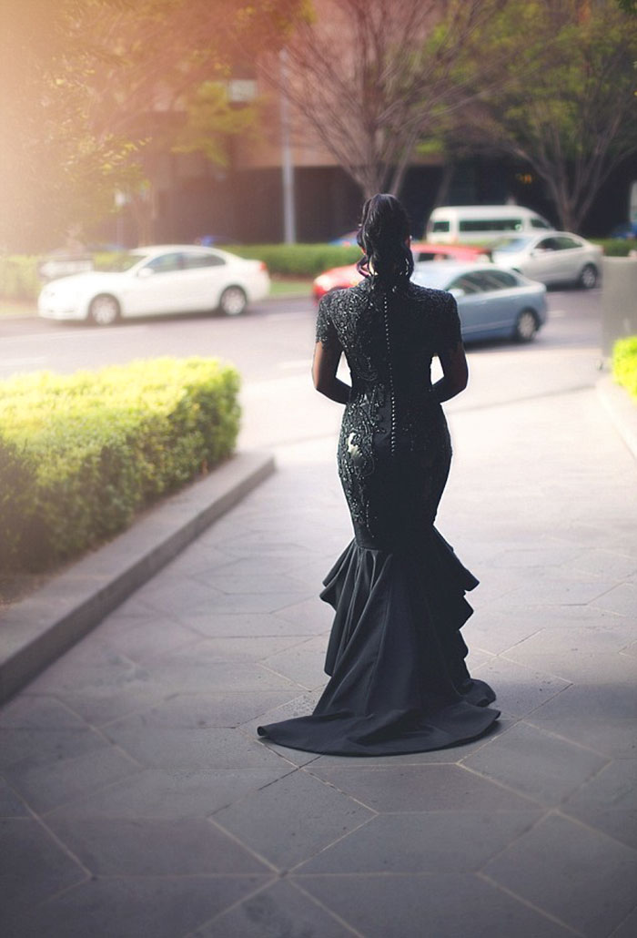 unusual-stunning-beautiful-black-wedding-dress (1)