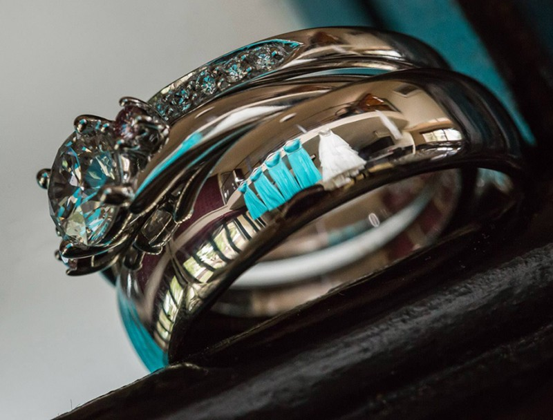 wedding-photography-impressive-ring-reflections-photo-shoot (1)