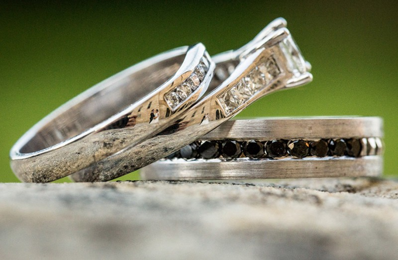 wedding-photography-impressive-ring-reflections-photo-shoot (14)