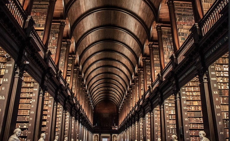 wonderful-old-library-trinity-college-dublin-Ireland (1)