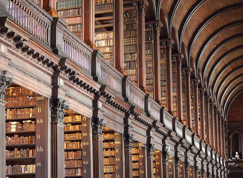 wonderful-old-library-trinity-college-dublin-Ireland (6)