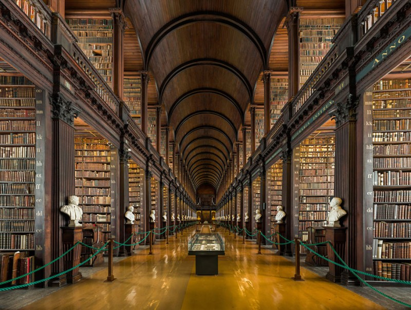 wonderful-old-library-trinity-college-dublin-Ireland (7)