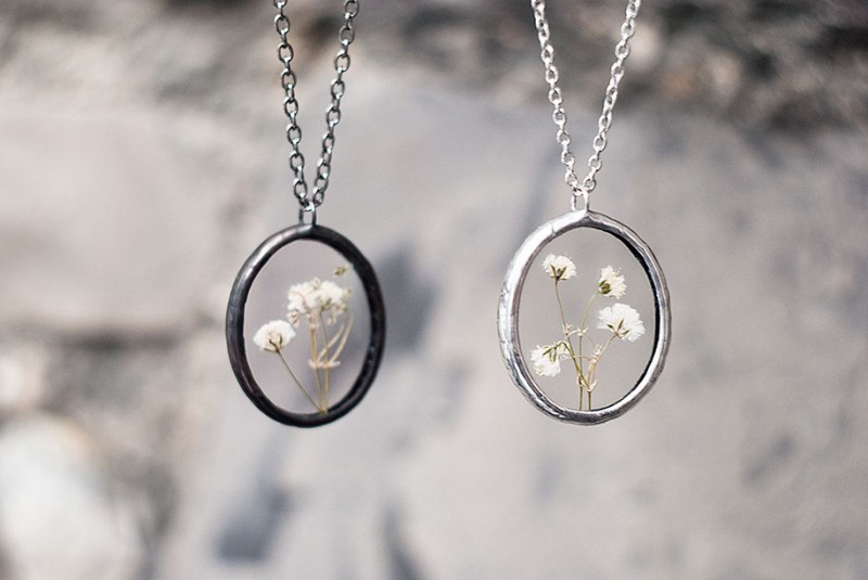 beautiful-vintage-style-pressed-flower-jewelry (14)