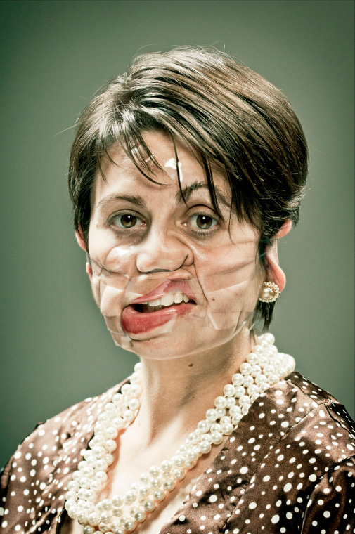 bizarre-odd-tape-portraits-pictures (2)