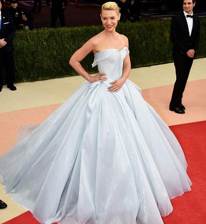 cinderella-glowing-dress-gown-met-gala-ball (4)