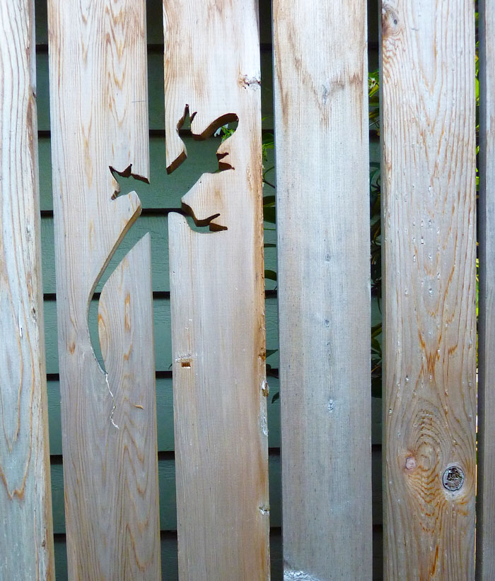 creative-diy-garden-fence-decoration-design-ideas (12)