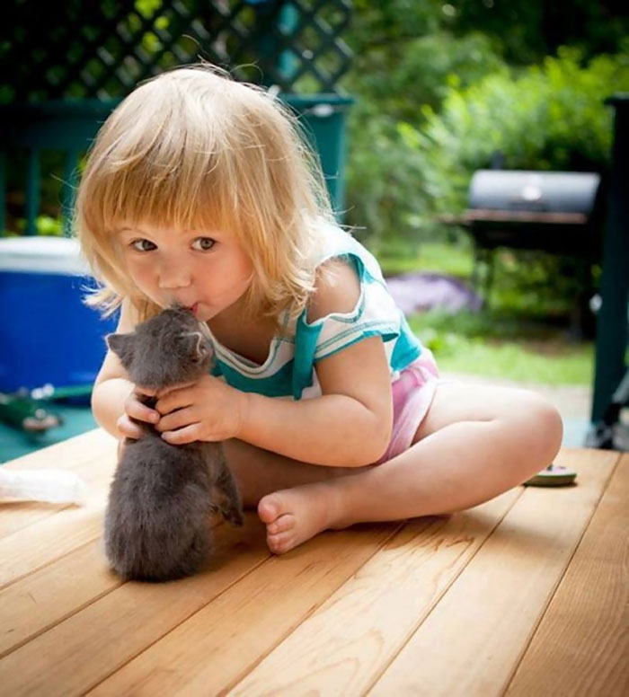 cute-adorable-photos-kids-animals-pets (17)