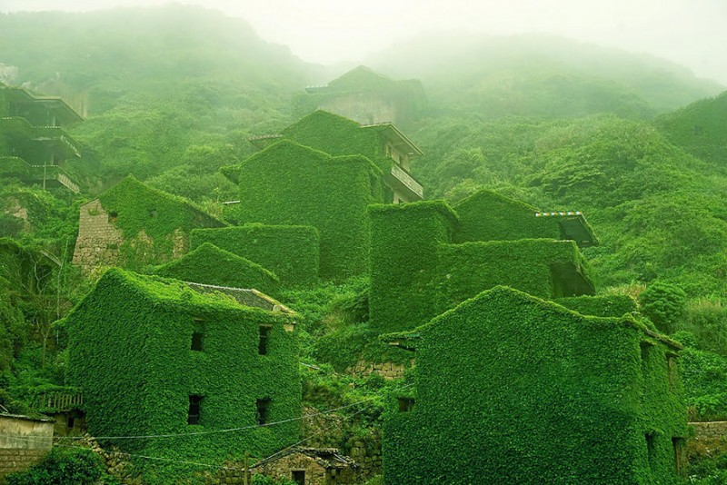 most-beautiful-small-villages-towns-in-world-fairy-tale-like (11)