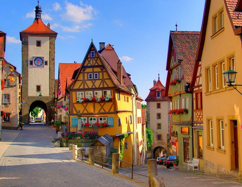 most-beautiful-small-villages-towns-in-world-fairy-tale-like (13)