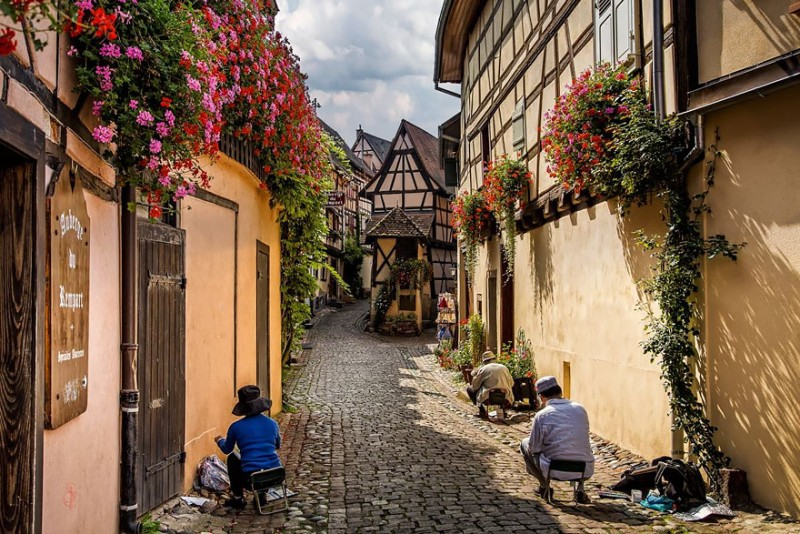 most-beautiful-small-villages-towns-in-world-fairy-tale-like (3)
