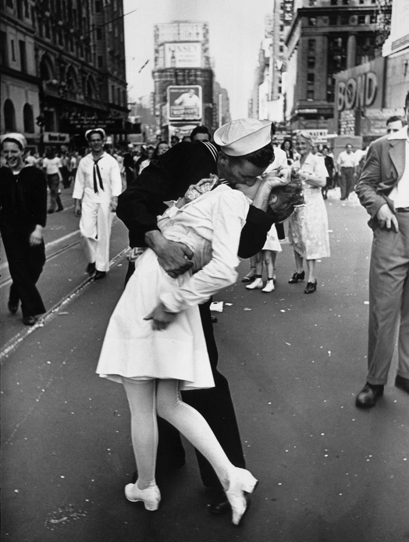 vintage-war-old-photos-love-romance-kiss (16)