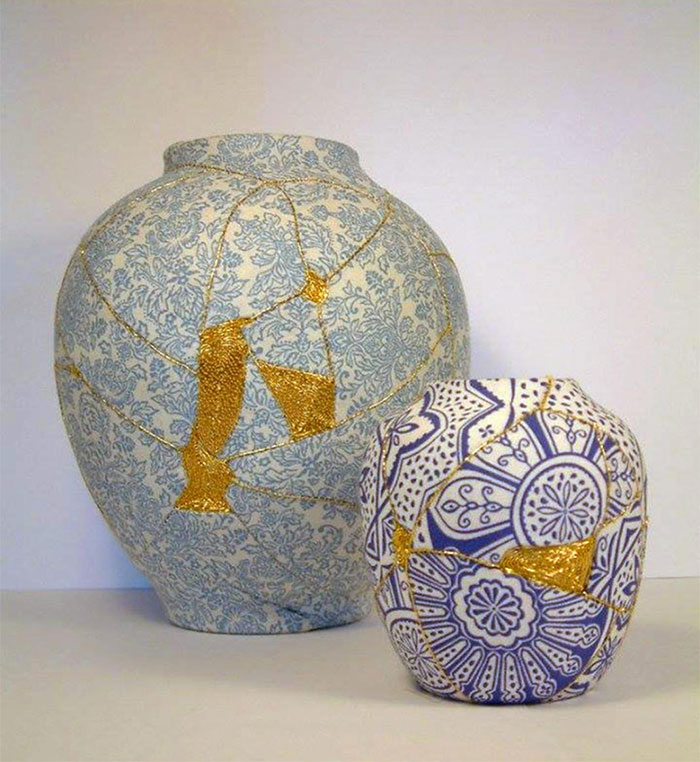 work-of-art-broken-vase-repair-gold-thread-traditional-japanese-technique (2)