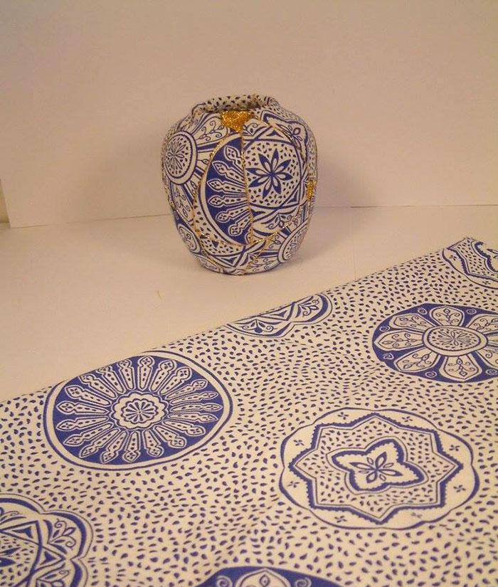 work-of-art-broken-vase-repair-gold-thread-traditional-japanese-technique (3)