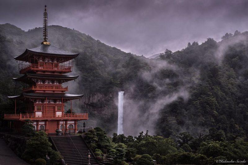 beautiful-photographs-Japans-rainy-season-like-paitnings (8)