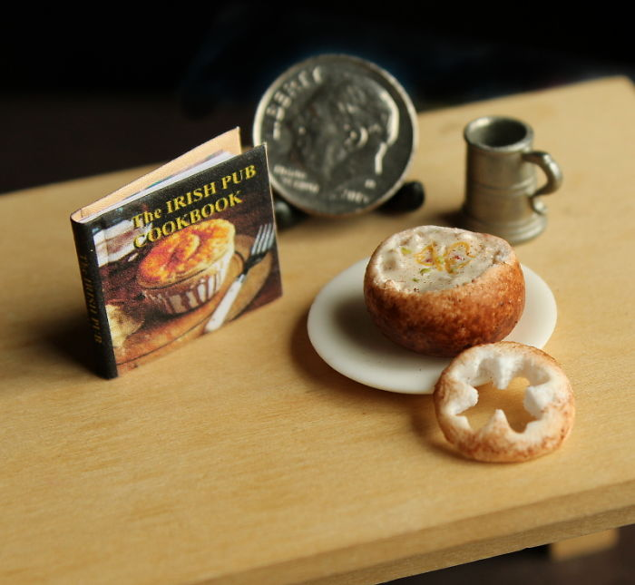 cute-miniature-food-sculptures-out-of-clay (10)