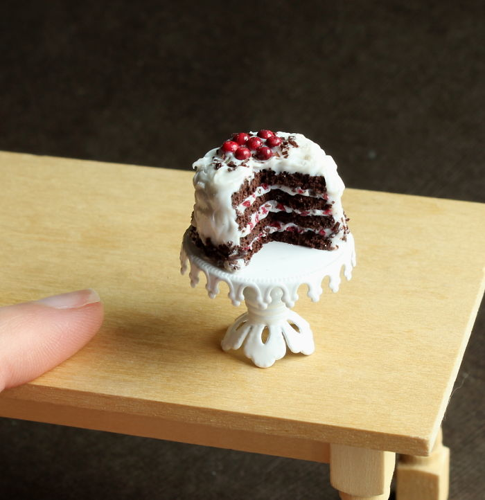 cute-miniature-food-sculptures-out-of-clay (3)