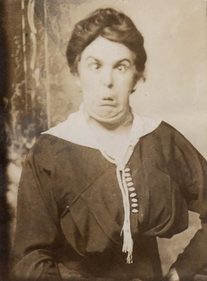 funny-photos-retro-black-and-white-photography-victorian-era-pictures (14)