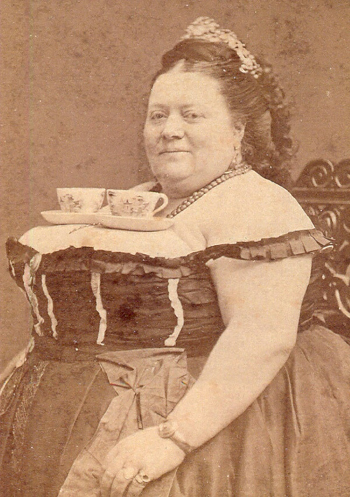 funny-photos-retro-black-and-white-photography-victorian-era-pictures (6)