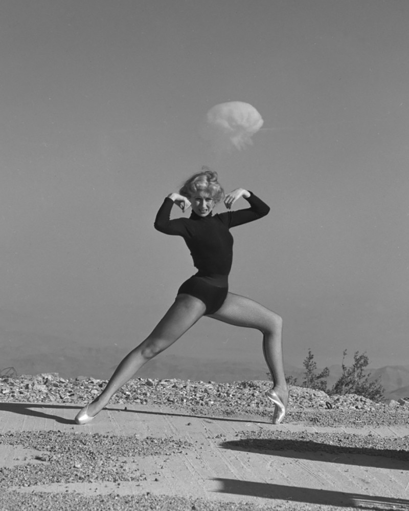 nuclear-tourism-atomic-bomb-1950s-las-vegas-sin-city-photos (11)