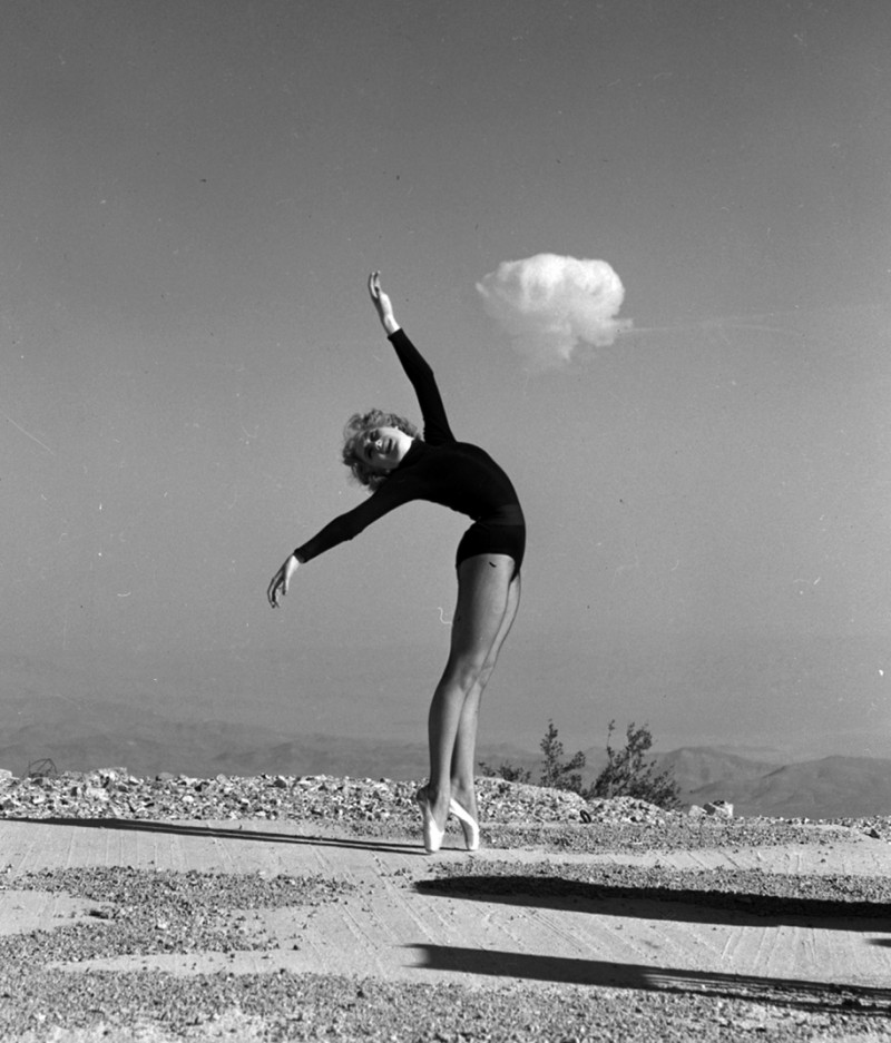 nuclear-tourism-atomic-bomb-1950s-las-vegas-sin-city-photos (9)