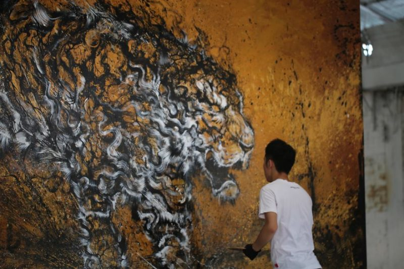 Traditional-Chinese-performance-art-Splattered-Ink-tiger-painting (5)