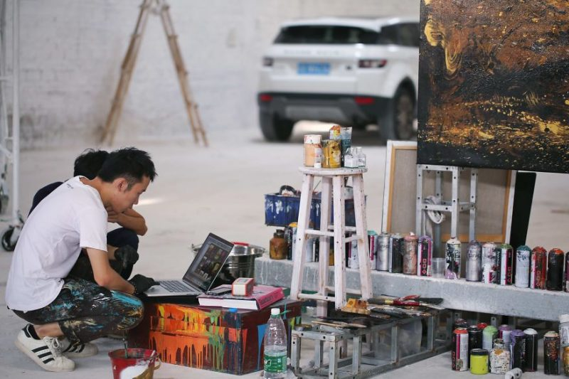 Traditional-Chinese-performance-art-Splattered-Ink-tiger-painting (8)