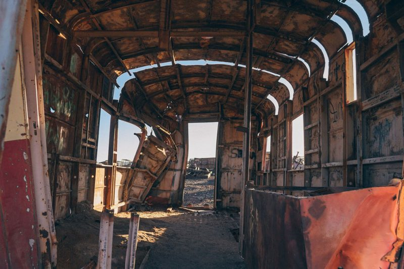 abandoned-bolivia-old-train-graveyard (12)