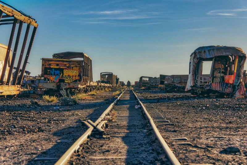 abandoned-bolivia-old-train-graveyard (4)