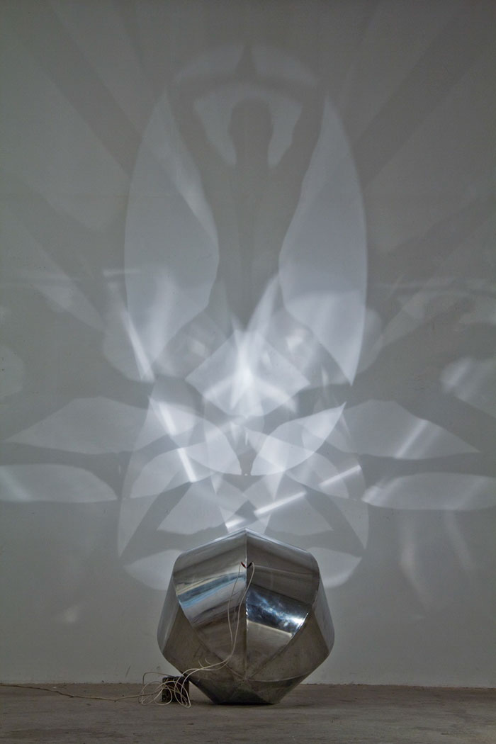 amazing-shadow-art-light-silhouettes-beautiful-optic-artistry (14)