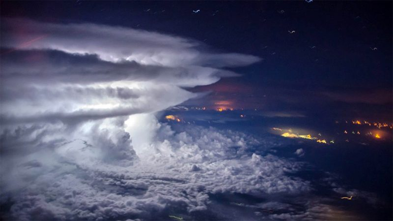 amazing-spectacular-perfect-thunderstorm-photographs-from-plane-shot-by-pilot (2)