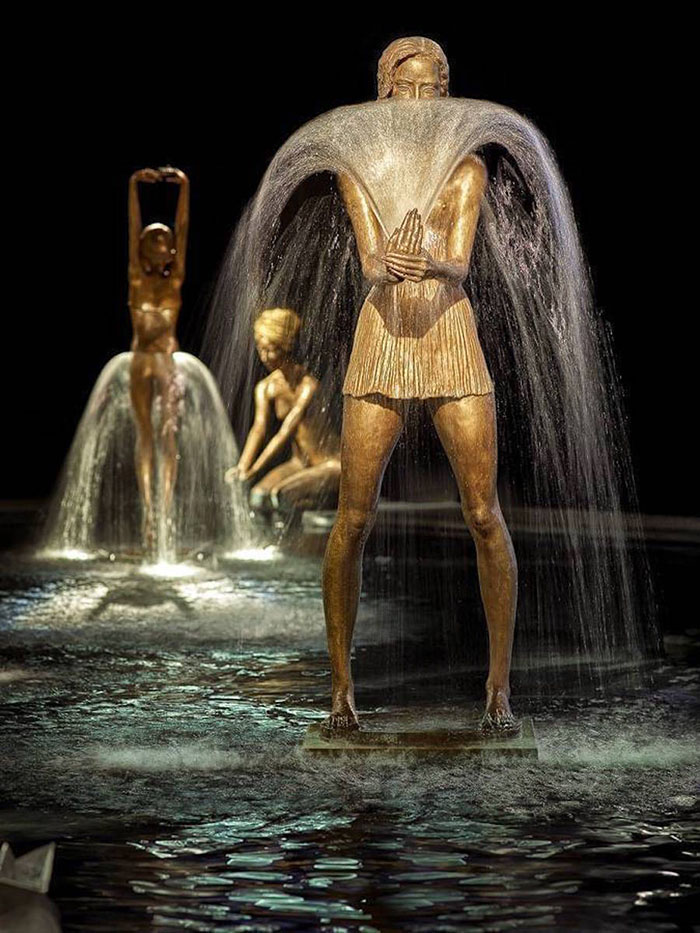 beautiful-elegant-bronze-fountain-sculptures (1)