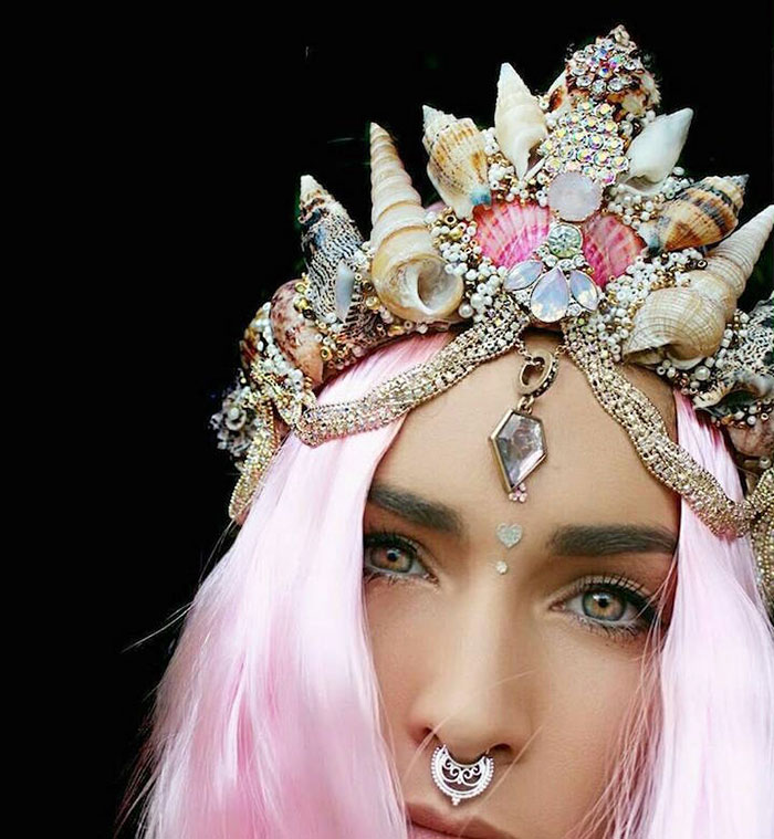 beautiful-handmade-mermaid-seashell-crowns (14)