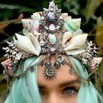 27-year-old girl uses real seashells to made eye-catching mermaid crowns