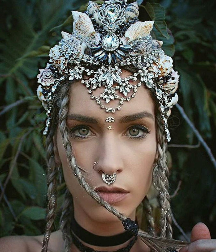beautiful-handmade-mermaid-seashell-crowns (5)