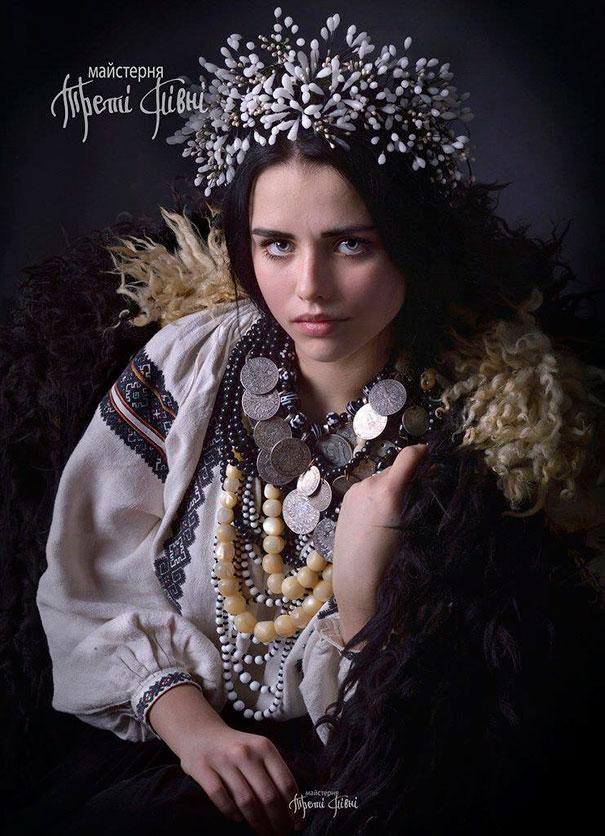 beautiful-traditional-ukrainian-flower-crowns (5)