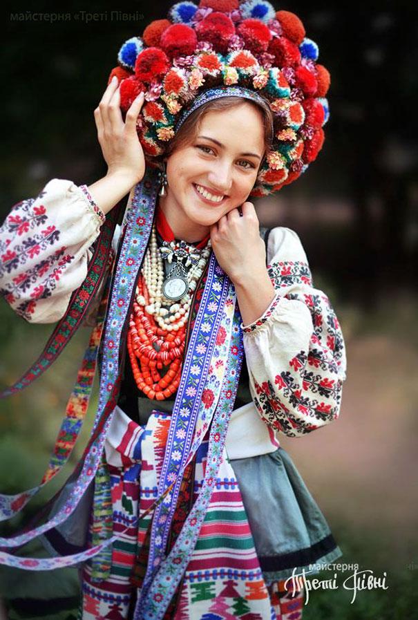 beautiful-traditional-ukrainian-flower-crowns (9)