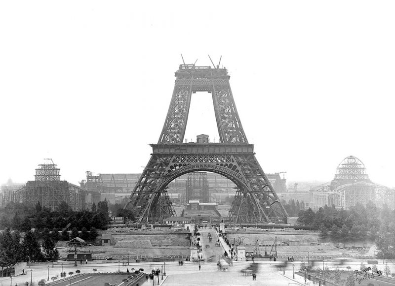 colorized-historic-old-black-and-white-photos-landmarks-under-construction (3)