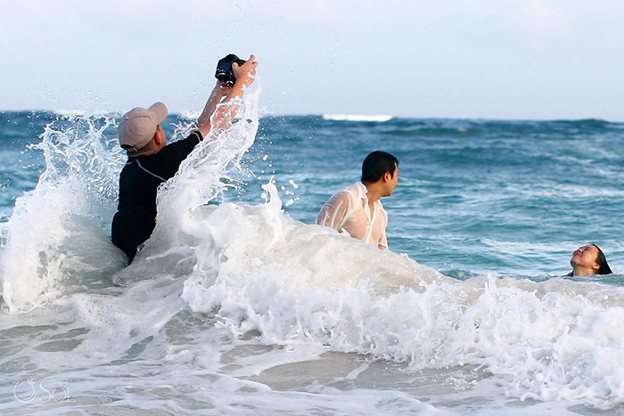 funny-pictures-professional-wedding-photographers-behind-the-scenes (10)