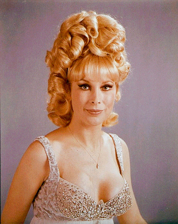 strange-weird-odd-vintage-1960s-hairstyles-big-hair (11)