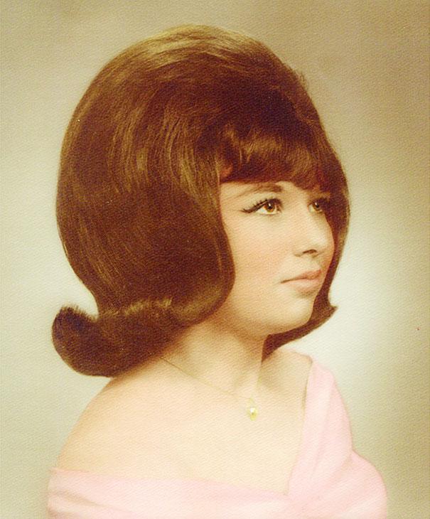strange-weird-odd-vintage-1960s-hairstyles-big-hair (14)