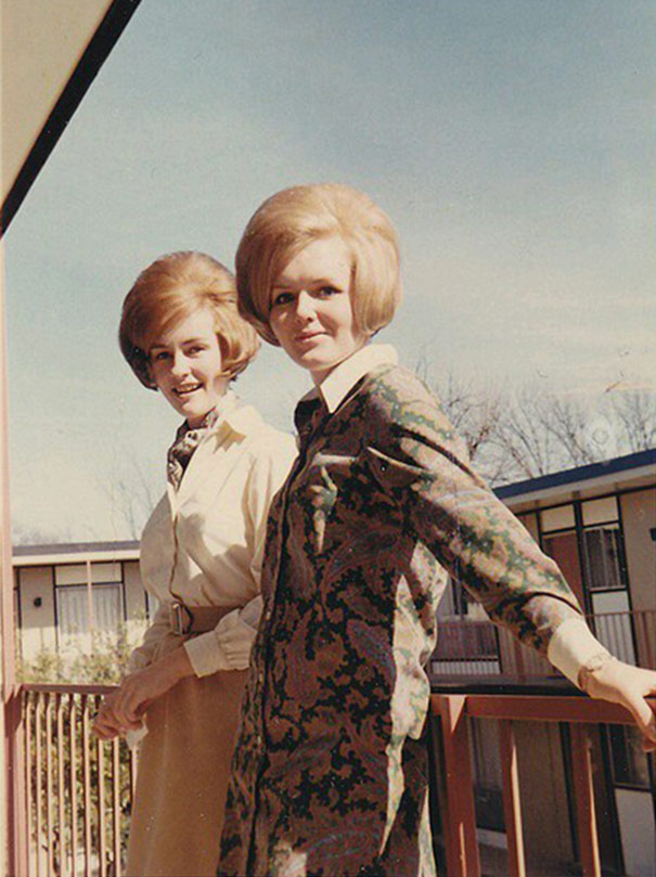 strange-weird-odd-vintage-1960s-hairstyles-big-hair (16)