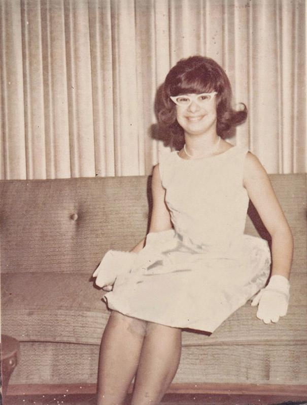 strange-weird-odd-vintage-1960s-hairstyles-big-hair (17)