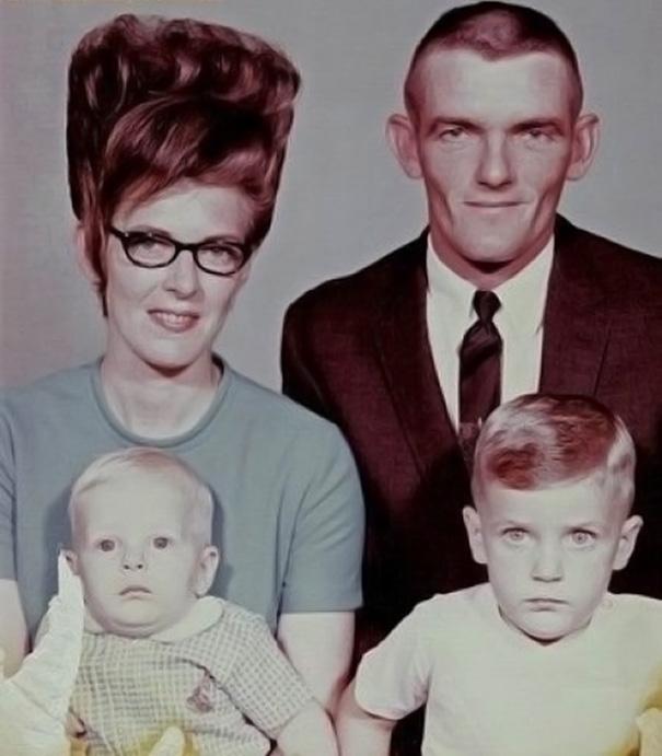 strange-weird-odd-vintage-1960s-hairstyles-big-hair (18)