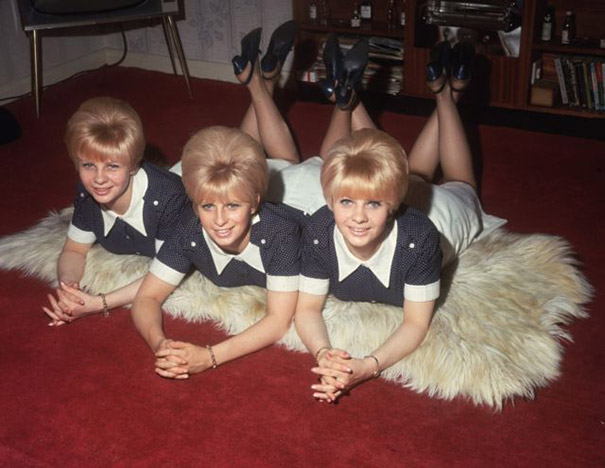 strange-weird-odd-vintage-1960s-hairstyles-big-hair (2)
