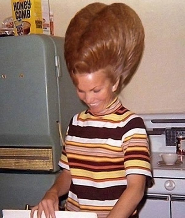 strange-weird-odd-vintage-1960s-hairstyles-big-hair (5)