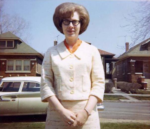 strange-weird-odd-vintage-1960s-hairstyles-big-hair (9)
