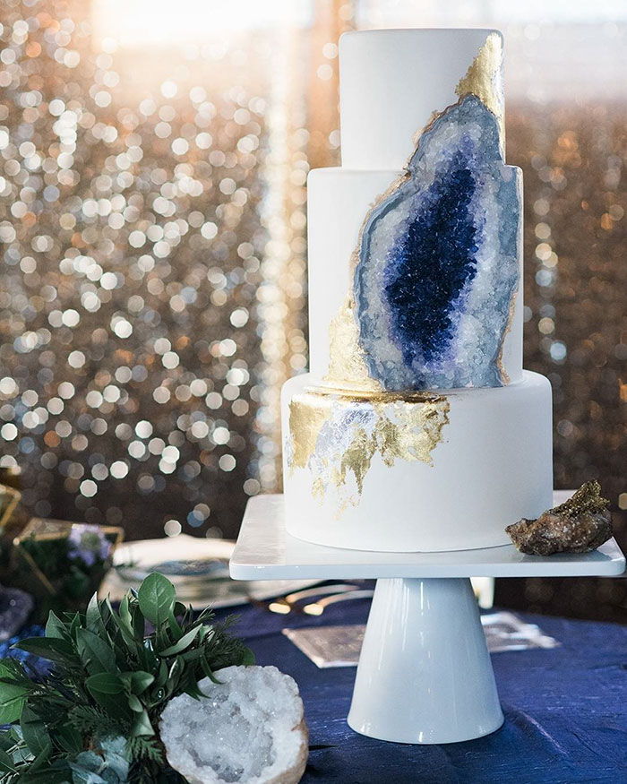 stunning-beautiful-amethyst-geode-wedding-cake-design (5)